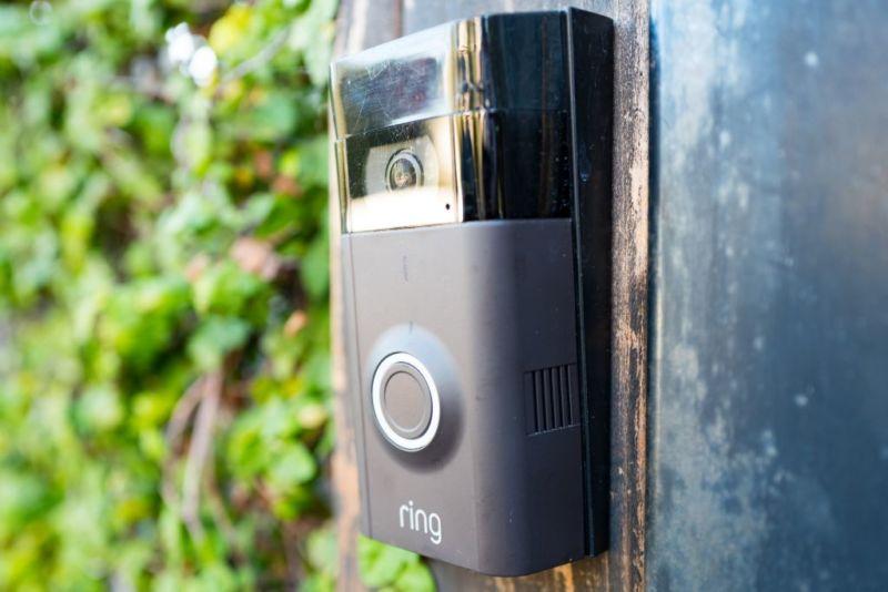 L'application de configuration de Ring a envoyé des informations de configuration Wi-Fi non cryptées à certains dispositifs de sonnette, exposant ainsi les réseaux domestiques des clients.